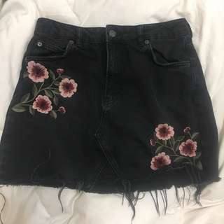 TOPSHOP DENIM SKIRT FLORAL