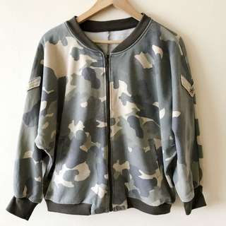 Camo oversize bomber jacket