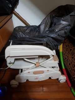 🚚 二手躺椅,也可以當餐椅,限制宜蘭自取,在菁英酒店附近,已經沒有搖椅功能,棉墊已經清洗乾淨,椅子要自己擦拭