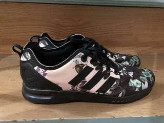 Adidas ZX Flux size 6.5 (fits 7 womens)