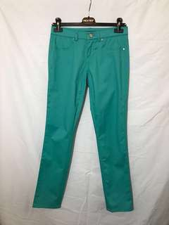 70% off Tahari skinny jeans