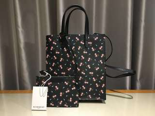 💯New 💯Givenchy Stargate Tote (Small Size)
