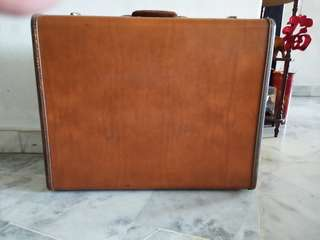 Samsonite 2 suiter  1947 range