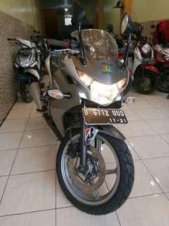Honda CBR 250 cbu th 2011 bisa kredit Dp 1.500