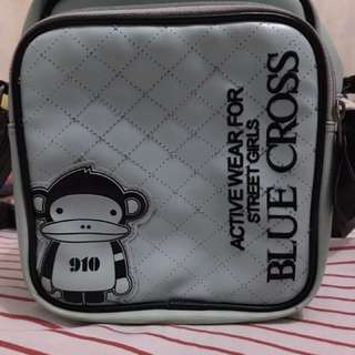 Tas selempang blue cross