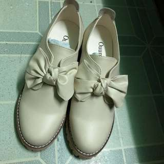 Beige Butterfly Ladies Shoes 日系蝴蝶小高跟休閒鞋