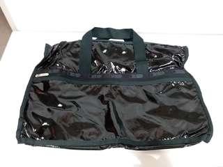 全新LeSportsac黑色漆皮大旅行袋