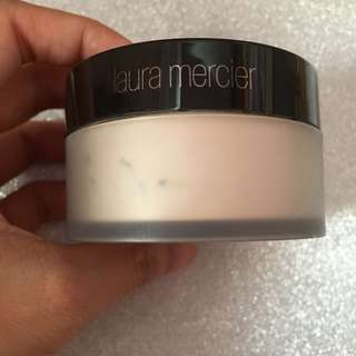 Laura mercier powder