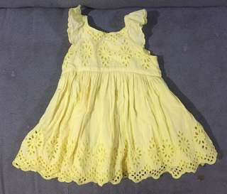 Baby gap dress with flaw 6-12m