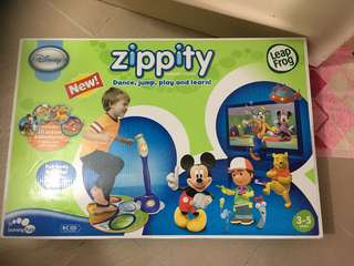 Leapfrog zippity with 2 additional game cartridges
