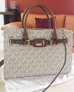 Original Michael Kors Satchel Bag (negotiable|only used once)