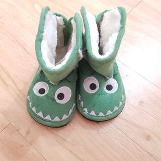 Baby Boots 6m-12m Green Monster High size 4-5