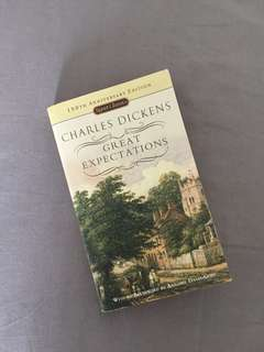 Great Expectations by Charles Dickens (ENGLISH)
