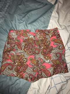 H&M PATTERN SHORTS
