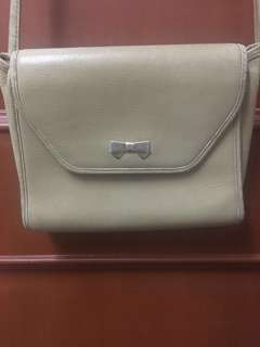 💯% Authentic & Original Nina Ricci vintage sling bag