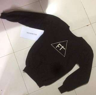 Sweater/crewneck black brand flaps