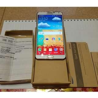 Samsung Note3, 行貨保養已過,有盒,原廠手機套,跟充電器, 一切資料請看實物相片,, 清楚跟實物相同 平讓880元 有意PM留電話聯絡