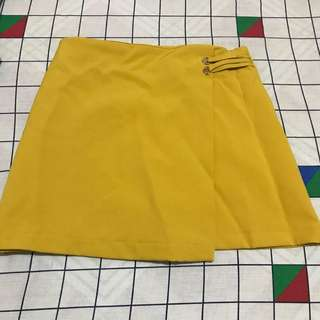 Mustard yellow skort