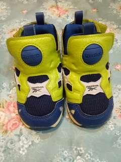 Reebok幼兒氣墊鞋
