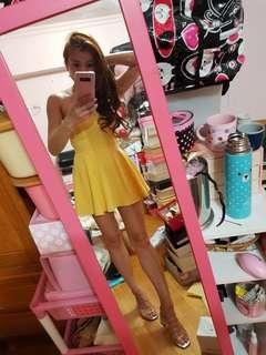 🚚 黃色平口小洋裝(褲裙)