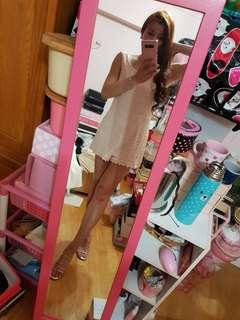 🚚 淺粉蕾絲無袖後拉鍊褲裙