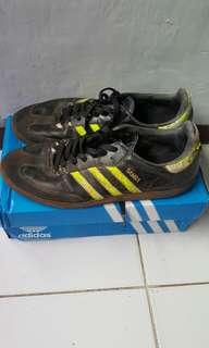 Sepatu adidas samba size 43