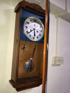 wall clock 555