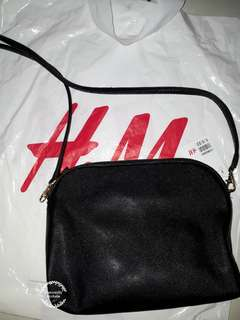 NEW WITH TAG! H&M SLINGBAG POUCH CLUTCH