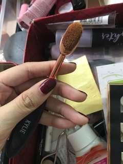 Kylie contour brush