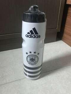 Adidas 運動水樽