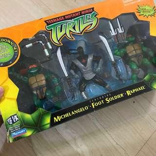 Teenage mutant ninja turtle figurines