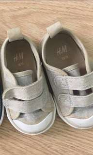 H&M Toddler Shoes Size 18/19