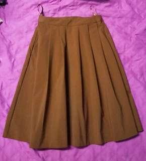 UniQlo Midi Sunday Skirt