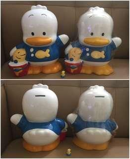 ** 分享** Sanrio Ahiru No Pekkle 鴨仔 1994 年 陶瓷人形儲金箱 (10 吋高) (Made in Thailand)