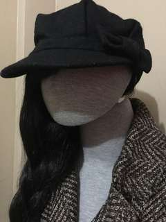 BNWOT TOPSHOP newsboy winter cap with bow detail