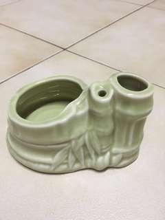 Unique pot