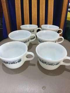 Pyrex Cups 6 pcs