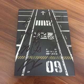 WTS SF9 Breaking Sensation All Member Signed Album
