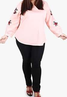 Plus Sized Mis Claire Embroided Sleeve Top