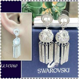Swarovskie danggling earrings