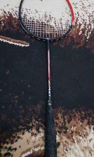 Raket Badminton Astrict