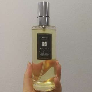 Jo Malone Room Spray in Pomegranate Noir