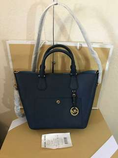 Authentic MICHAEL KORS Shoulder Handbag