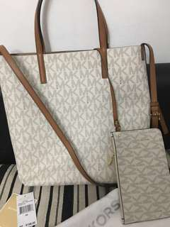 Mk tote authentic Repriced