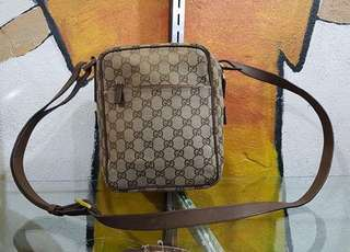 Gucci Slingbag Authentic