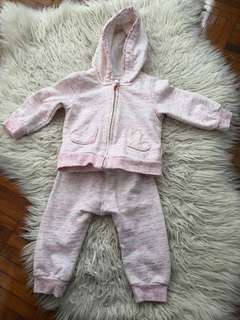 Full suite H&M baby sweater. Pink color