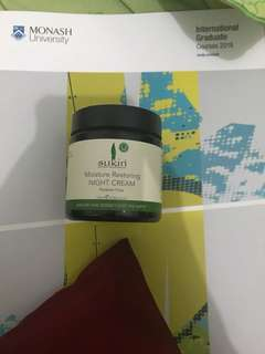 Moisture Restoring Night Cream