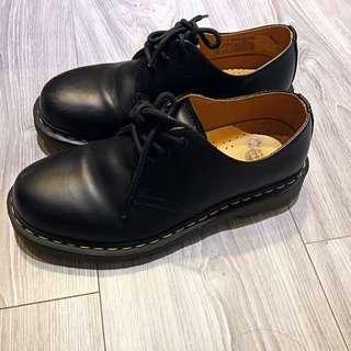 馬丁鞋 三孔 DrMartin 經典款 尺寸EU39 US8