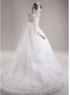 Brand New bridal veil with lace edges