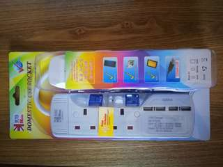 2 插位連4個USB插位 防雷充電拖板
